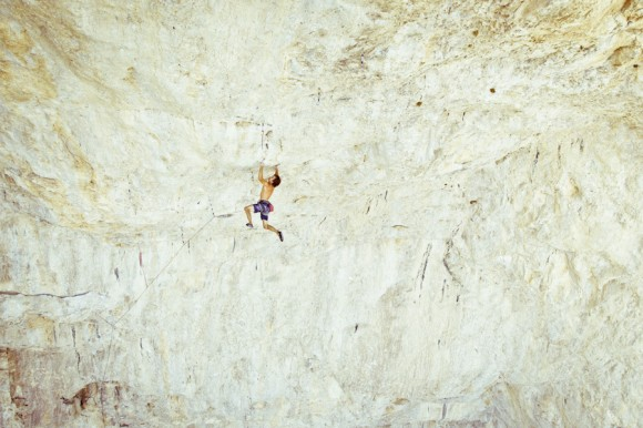 Chris Sharma na Jumbo Love 12b em Clark Mountain (Foto: Boone Speed)