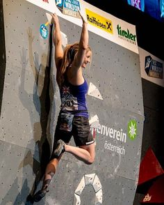 Shauna Coxsey no top do último boulder